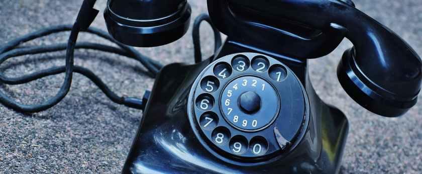 phone-old-year-built-1955-bakelite-163008.jpeg